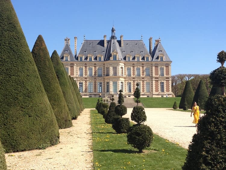 Chateau Sceaux Yellow dress
