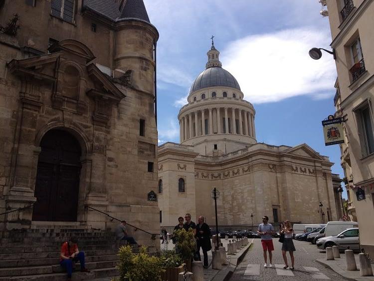 St Etienne du Mont steps and Panthéon
