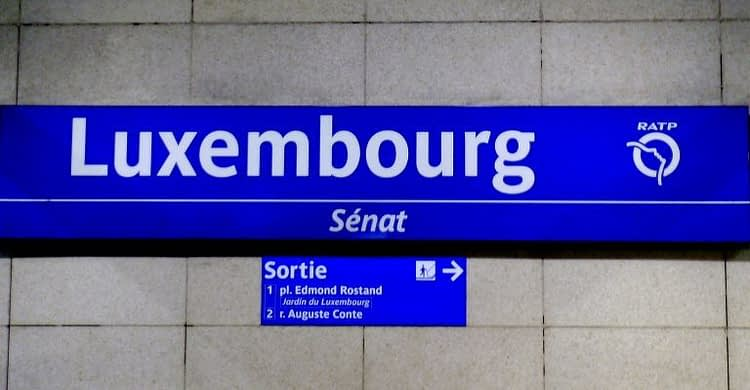 RER Luxembourg exit platform sign